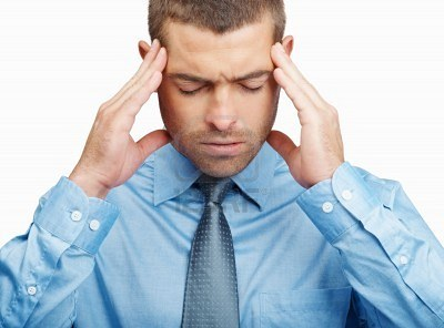 http://www.ent.com.tr/m/r/haber/6224662-headache--closeup-of-a-young-business-man-holding-head-in-pain-isolated-on-white1.jpg